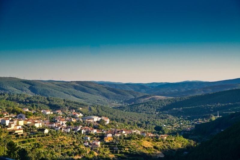 Aldeias de Montanha  Cortes do Meio  www.aldeiasdemontanha.com
